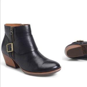 Korkease black booties! Size 6.5